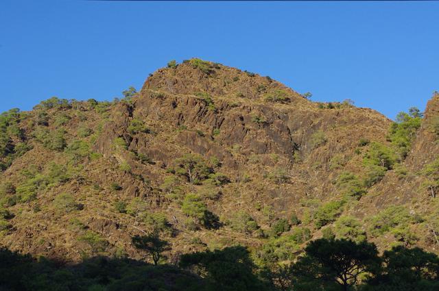 склоны горы янарташ