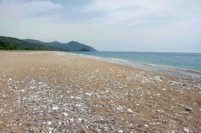 Пляж без туристов