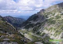 Каменистые склоны гор