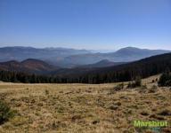 Заросшие лесом горные хребты