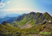 Обрывистый горный хребет