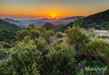 Закат солнца в горах Кипра