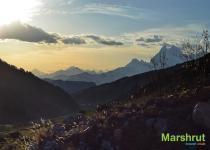 Горы Грузии в лучах солнца