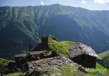 Каменные стены и крыши